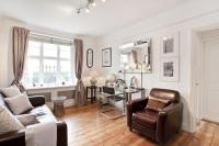 1 bed Flat for sale in Lansdowne Crescent, W11