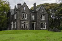 6 bed Detached property for sale in Church Road, Uppermill...