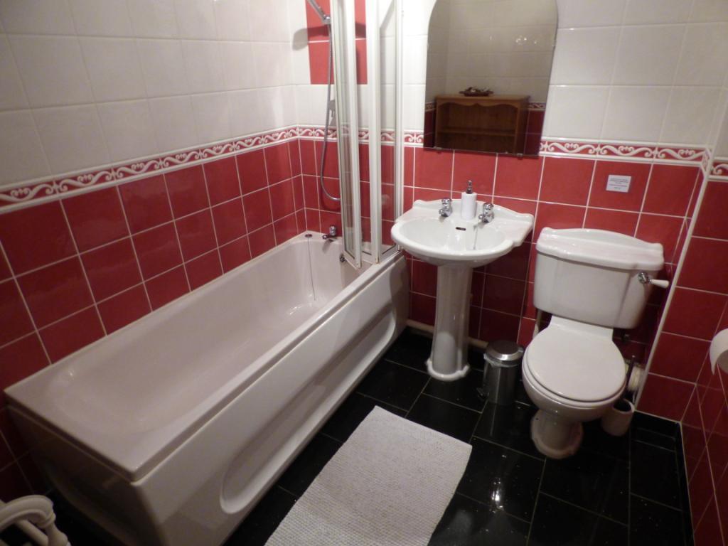 Famiily Bathroom