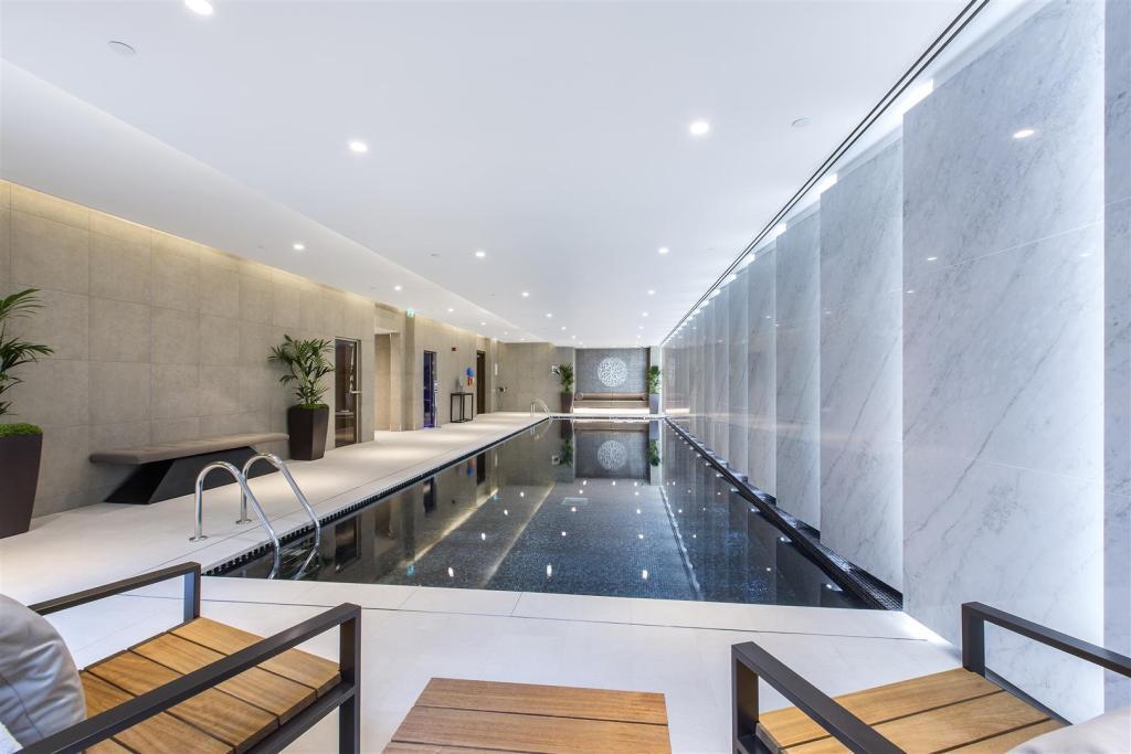 Swimming pool pg