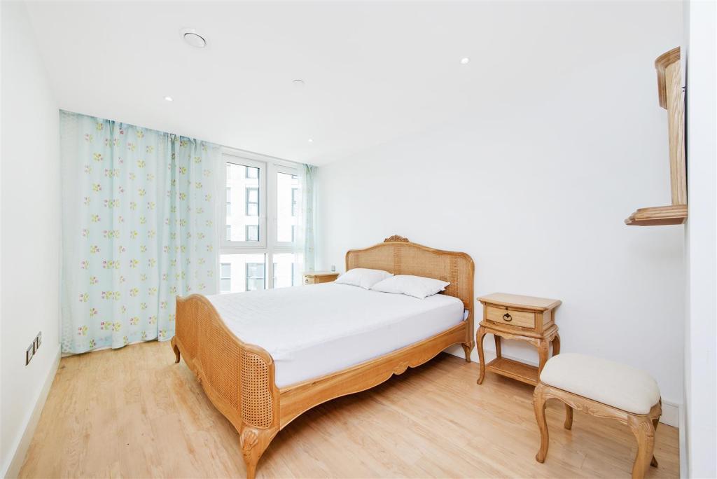 Mater Bedroom (1).jp