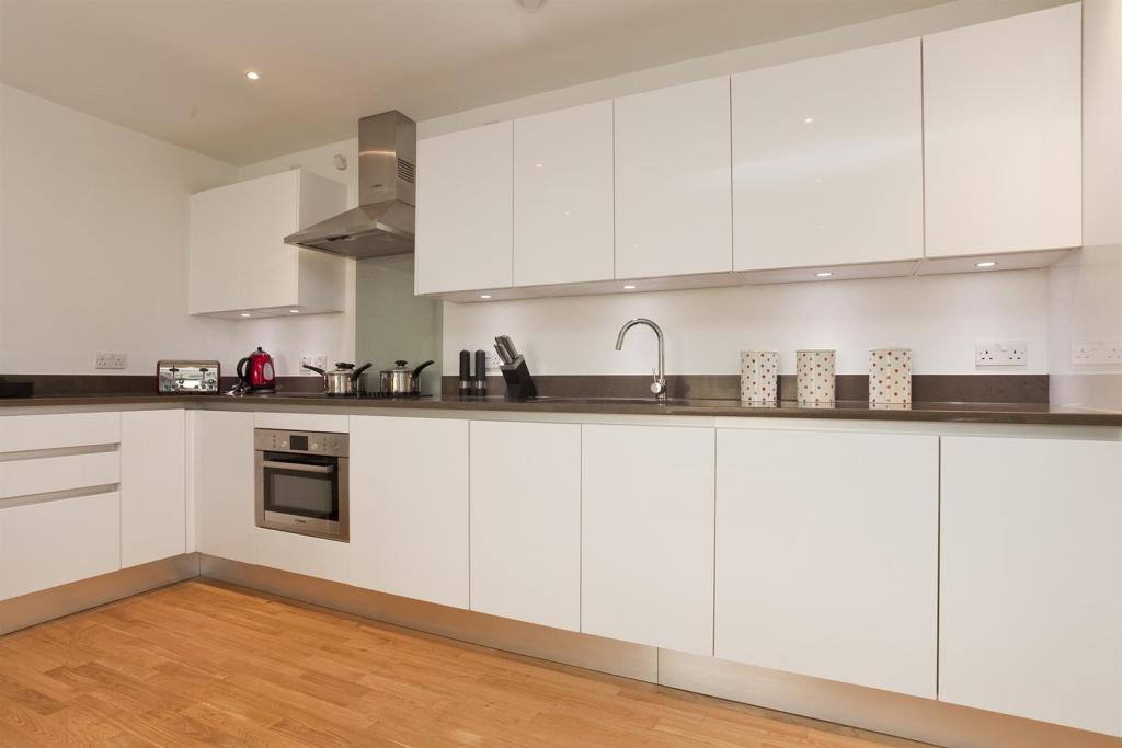 601-Kitchen.jpg