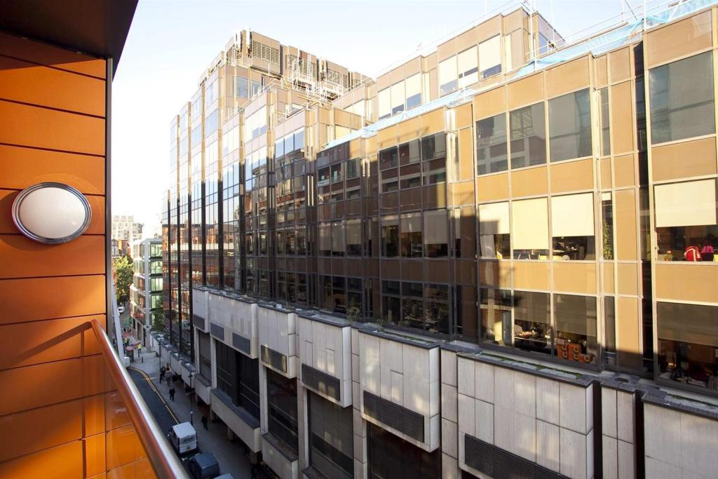 601-Balcony2.jpg