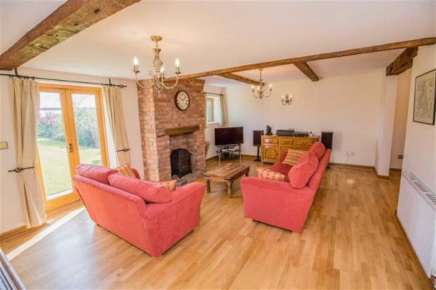 4 Bedroom Barn Conversion For Sale In Old Meadow Court