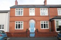 3 bedroom Terraced house for sale in High Street, Farndon