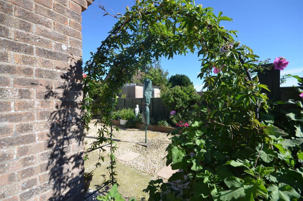 Arch to the Garden