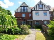 Flat to rent in Oxted, Surrey