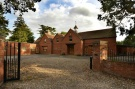 7 bed Detached house in Edgwarebury Lane...