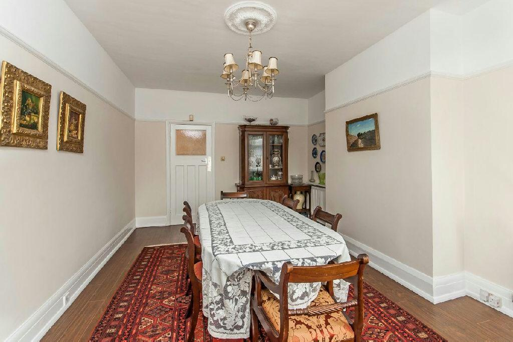 Bedroom 4/Dining Roo