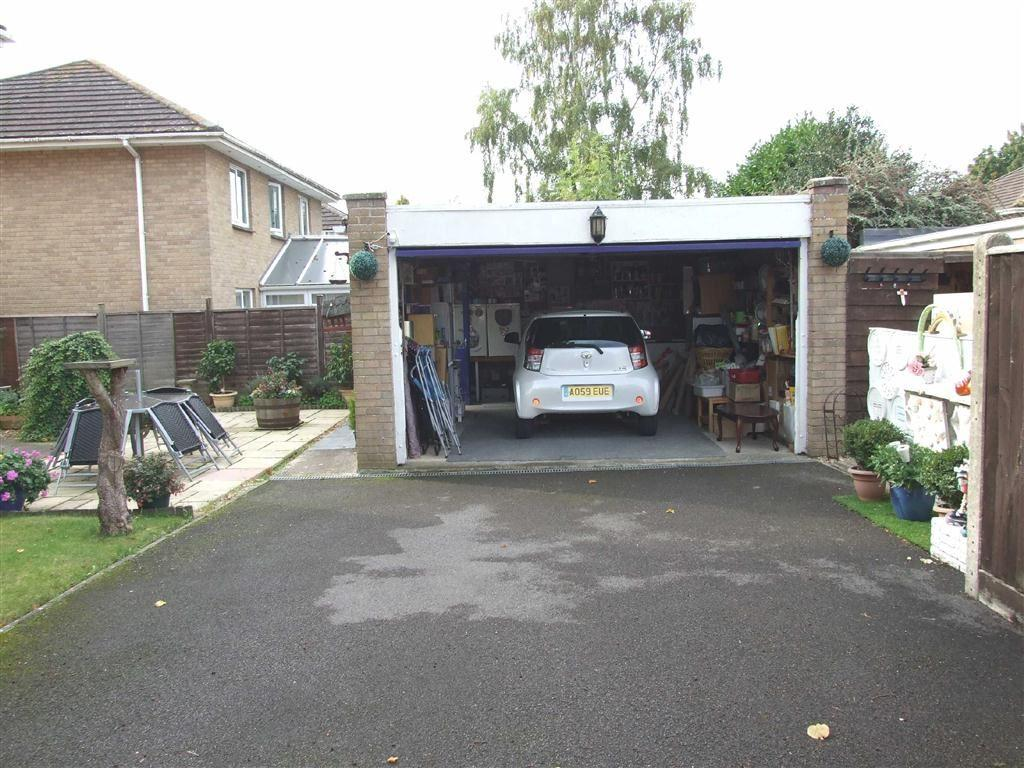 Double Garage and Pa