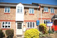 2 bed house to rent in Haselmere Close...