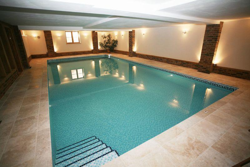 Beautiful New Build With Basement Swimming Pool Snooker