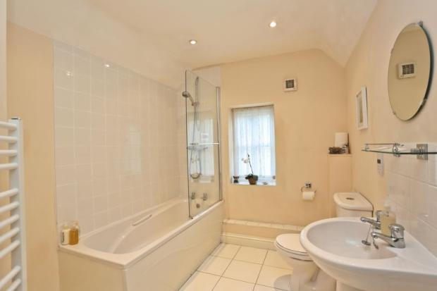 Bathroom/En-Suite