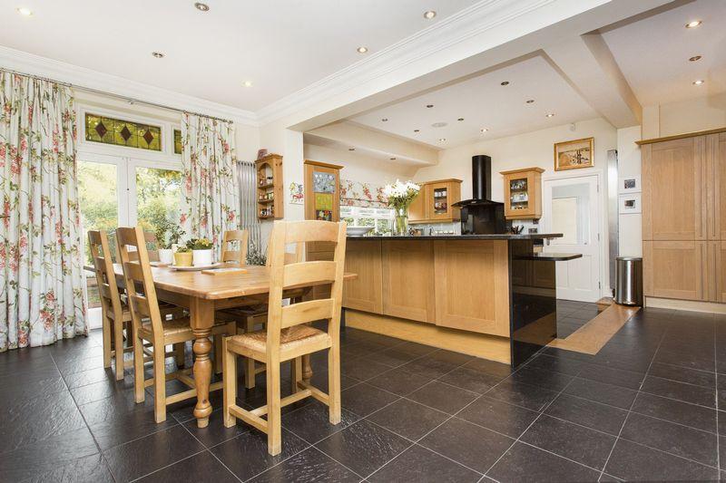 Kitchen/Day Room