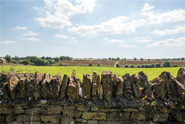 Walling and View