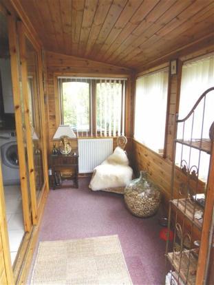 Side Porch/Sun Room