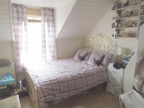 Bedroom Two (en-suit