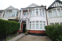 3 bed Terraced house in Brightwell Avenue...