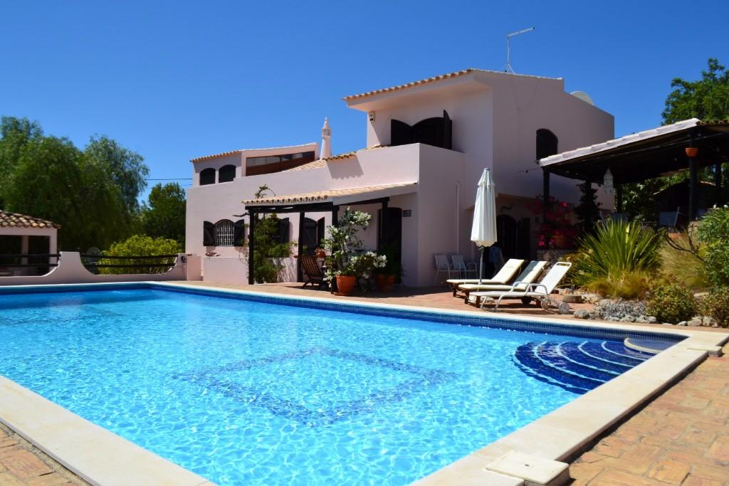 2 bed Detached property in Boliqueime, Algarve