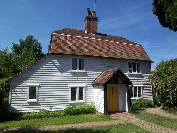 4 bedroom cottage for sale in rye road sandhurst kent tn18