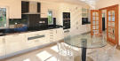 4 bedroom Villa in Vale do Lobo, Loul�...