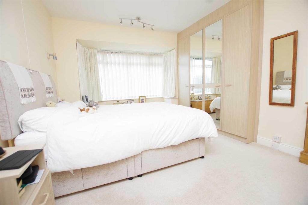 Master Bedroom 15'0