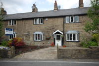 3 bedroom Terraced house in Moor End Road, Mellor...