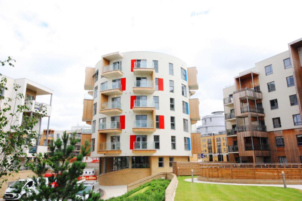 2 Bedroom Apartment For Sale In The Malachite Building Glenalmond Avenue Cambridge Cb2 Cb2
