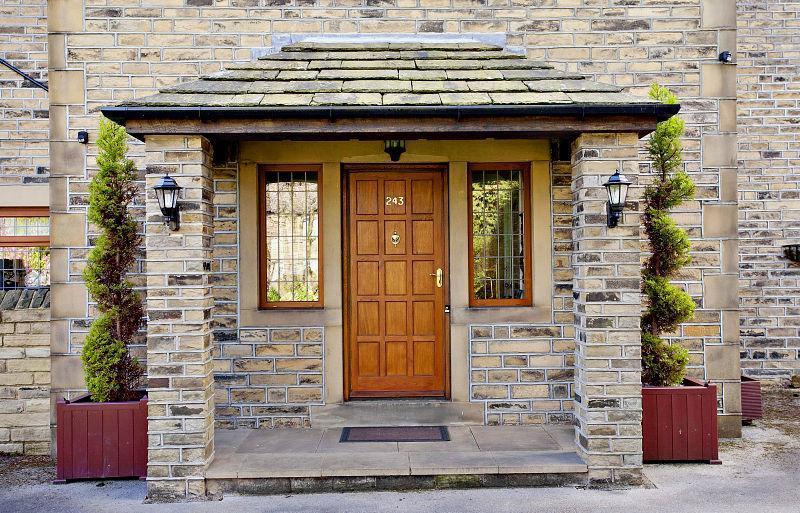 Front door design ideas photos inspiration rightmove for Front door design uk
