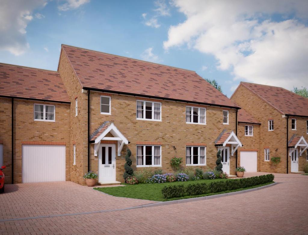 3 bedroom terraced house for sale in plot 7 lancelot gardens pinchington lane newbury rg19 rg19