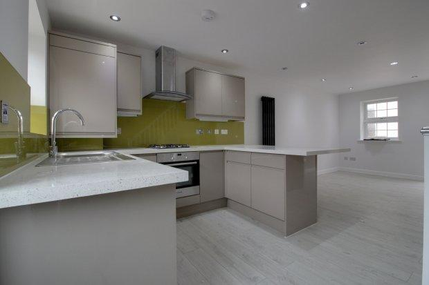 Kitchen/Living ...