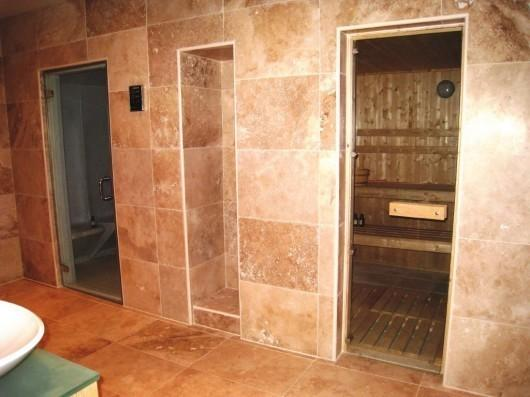 Sauna & Steam Room