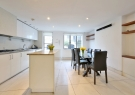 3 bedroom Town House in Noel Road, Islington...