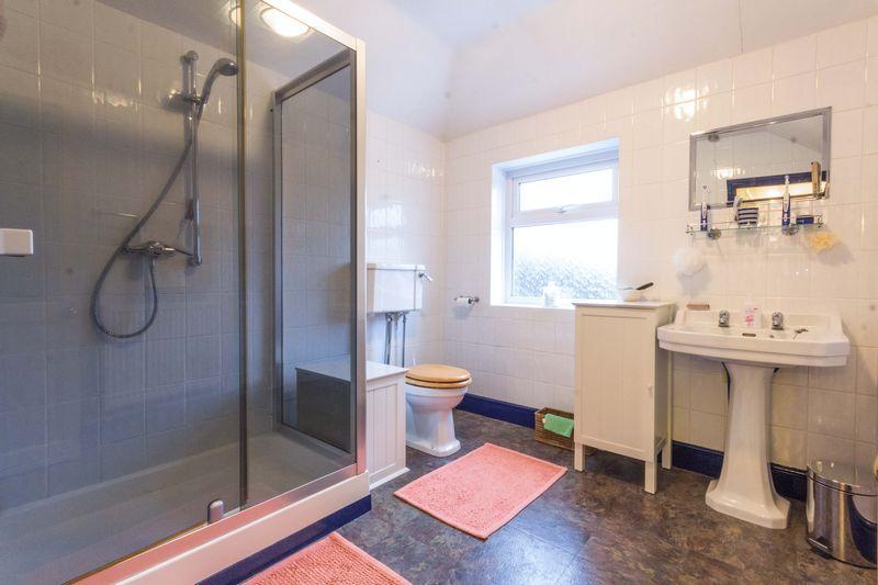 8 shower room