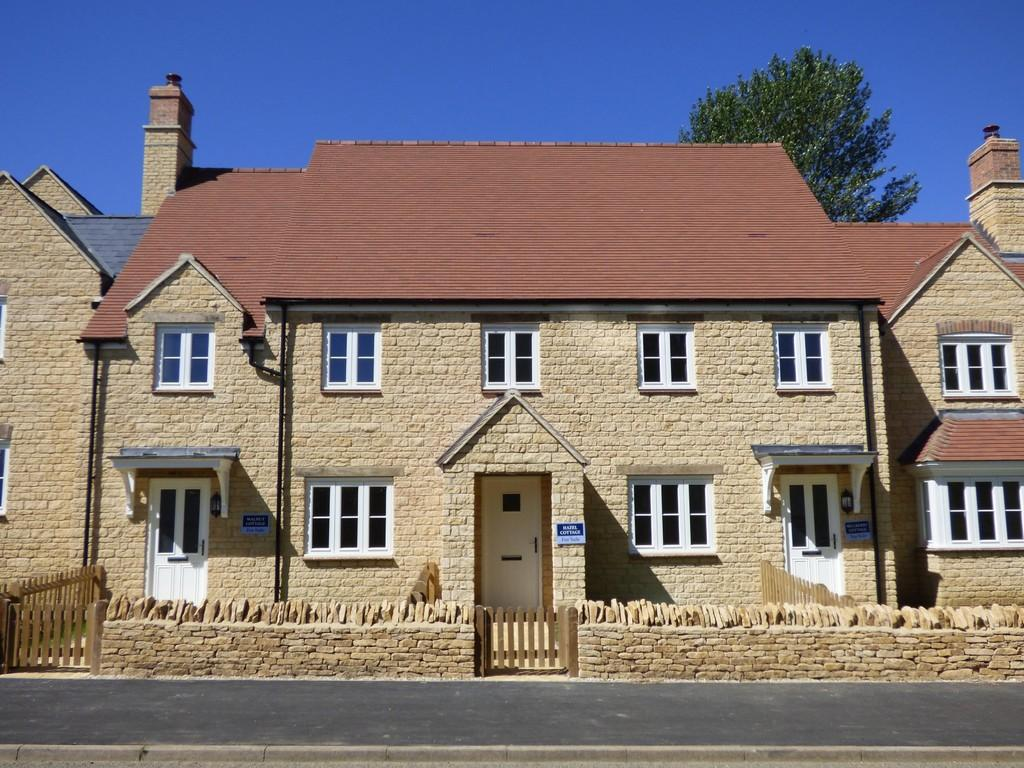 2 Bedroom Cottage For Sale In Long Compton Cv36