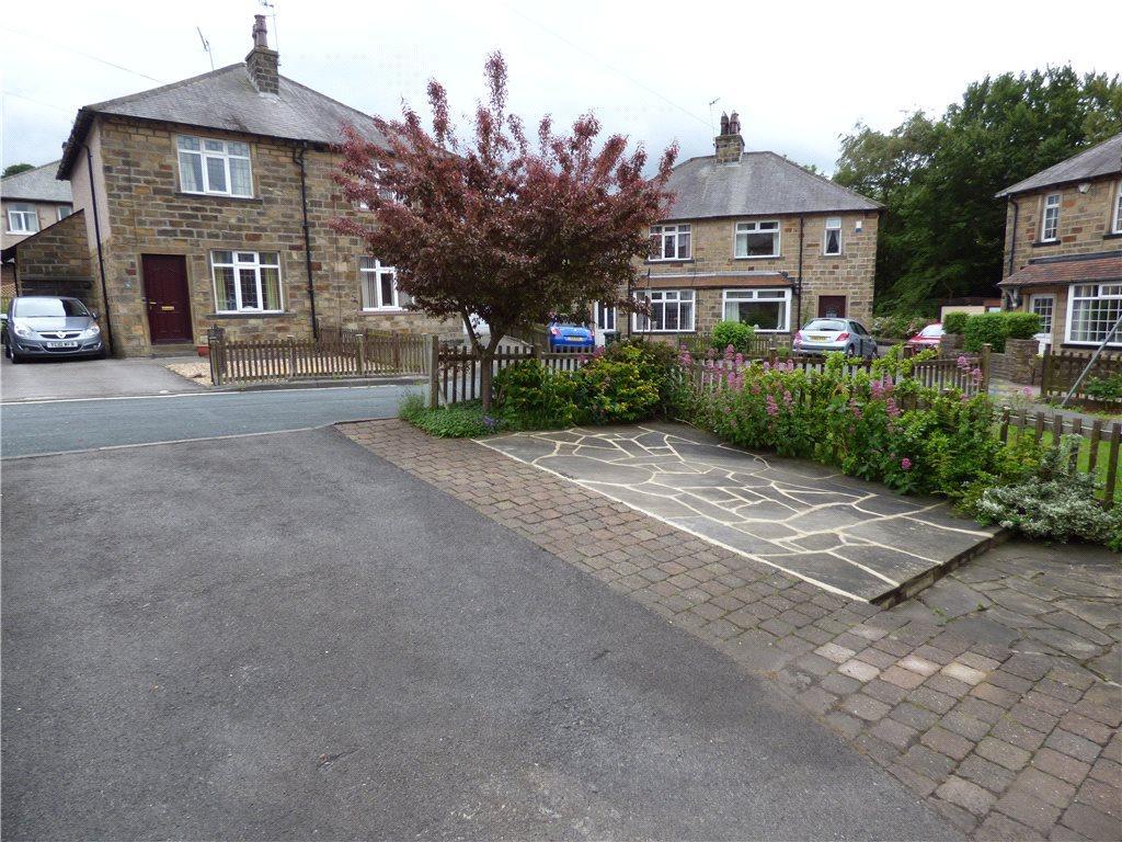 Front Garden/Parking