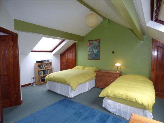Attic Bedroom 4B