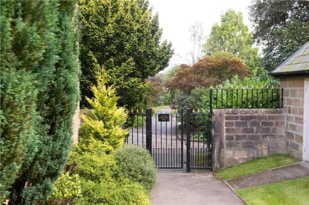 Valley Gardens Acces