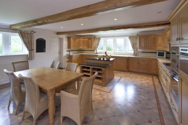 Large Bfst Kitchen