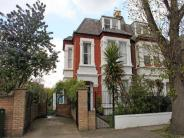 4 bedroom Flat to rent in Beverley Road, Chiswick