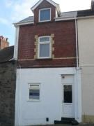 Flat to rent in High Street, Graig...