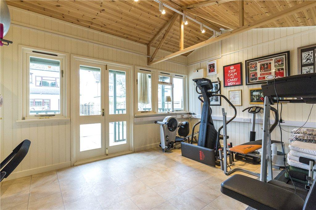 Gym/Summer House