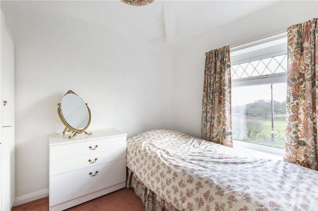 Bedroom 2-Flat