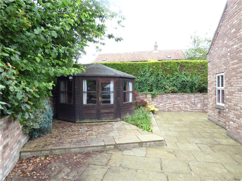 Patio & Summer House