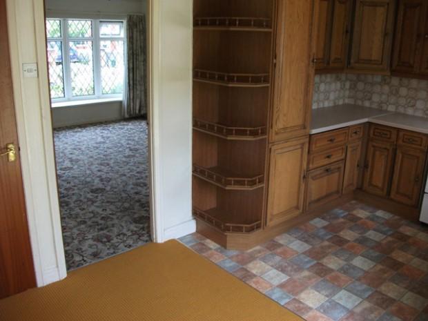 03 Kitchen through
