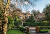 6 bed Detached home for sale in BEACONSFIELD