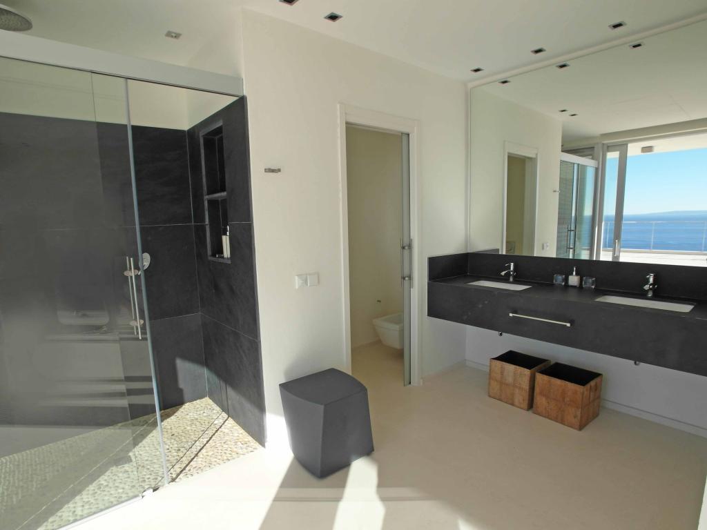 Black Cream Bathroom Design Ideas Photos Inspiration Rightmove Home Ideas