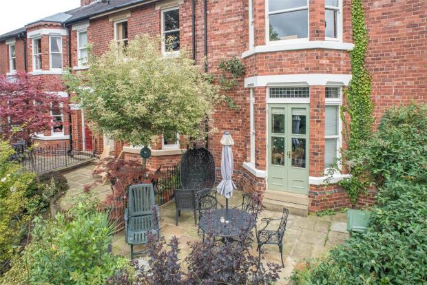 4 bedroom end of terrace house for sale in lastingham