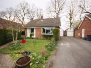 2 bed Detached Bungalow in Villa Close...
