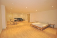 Studio flat to rent in Broadway Court...